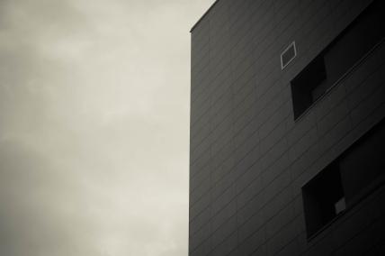 mono_exterior