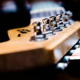 Headstock_by_Bernhard_Hanakam