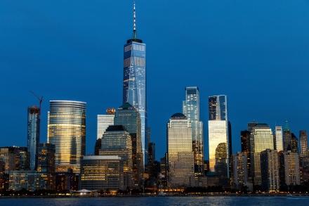 Manhattan_Sunset_by_Giacomo_Ferroni